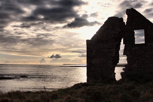 coastal-path-ruin